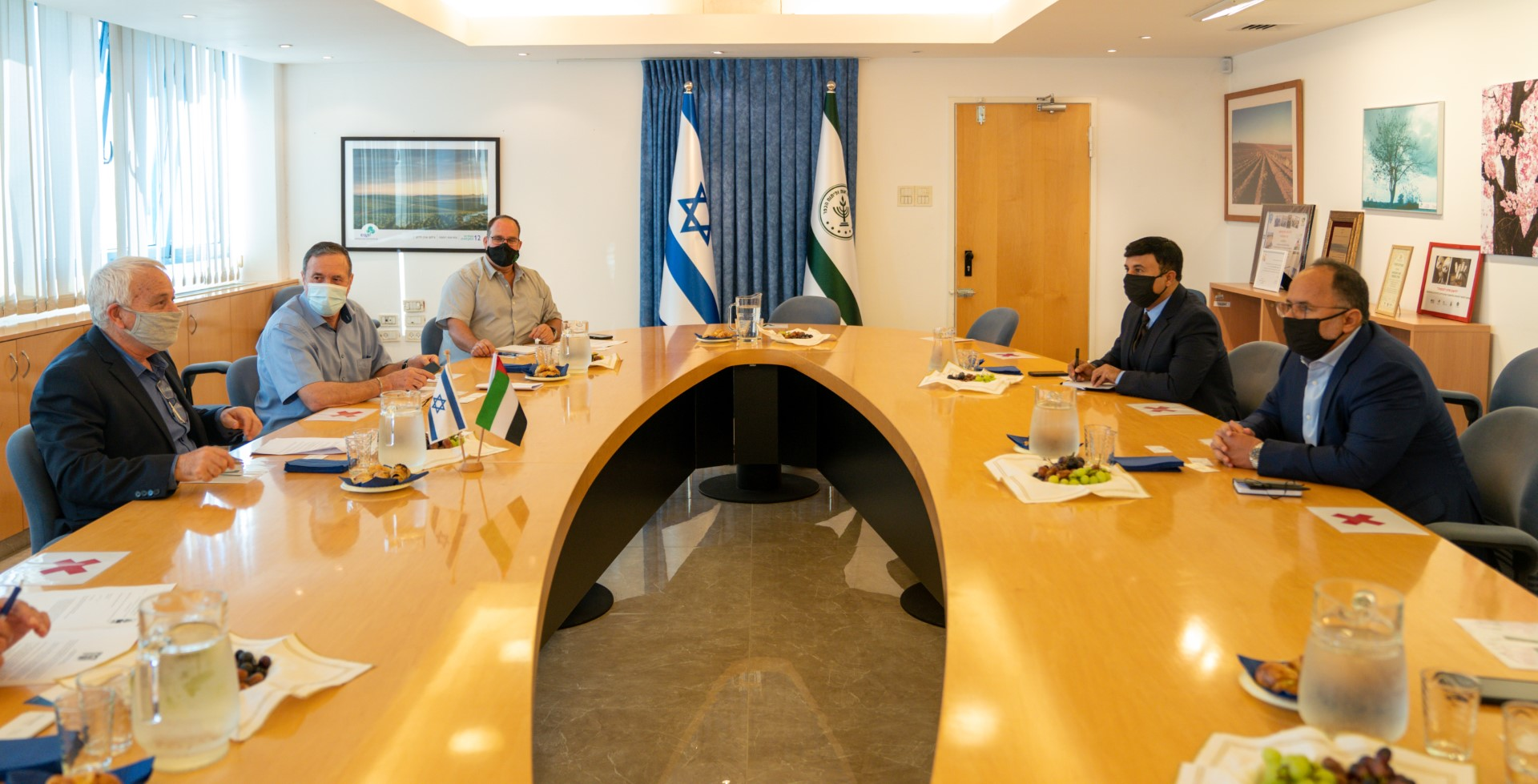 Emirati delegation visits Israel to discuss agricultural, investment cooperation.